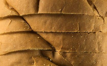 Chleb traci zwolenników, piekarze walczą o byt