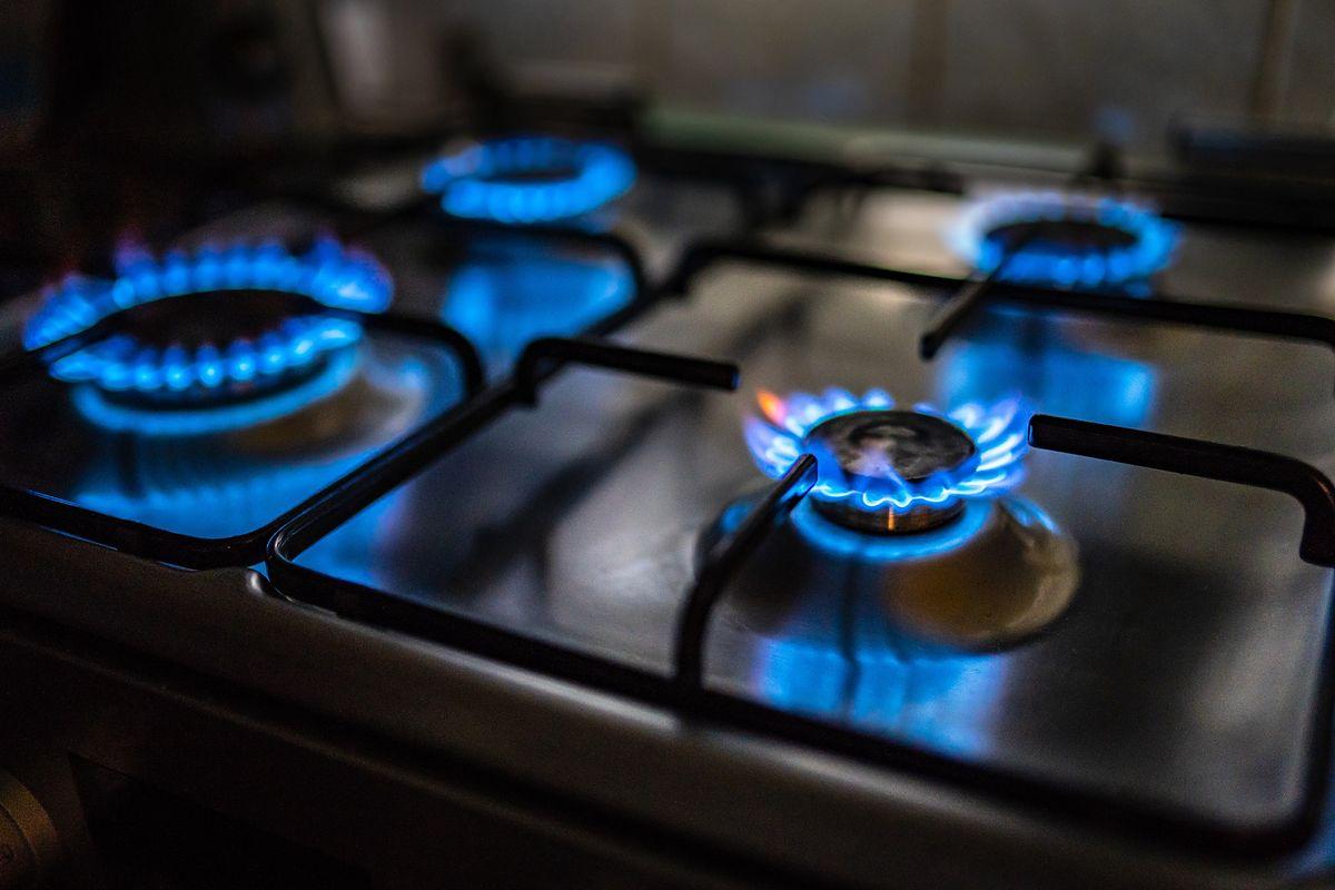 Kuchenki gazowe zanieczyszczają powietrze w domach. Wyniki badań dają do myślenia