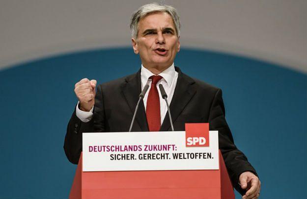 Austria zapowiada zaostrzenie kontroli granicznych. Jednocześnie kanclerz Werner Faymann krytykuje działania UE i uważa, że kraje przeciwne uchodźcom nie powinny otrzymywać unijnych dotacji