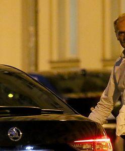 Nocne spotkanie Donalda Tuska z politykami PO. Uwagę zwraca jeden szczegół