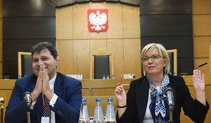 Sędzia-dubler Mariusz Muszyński i prezes TK Julia Przyłębska.