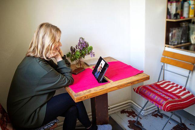 Kobiety chętnie korzystają z aplikacji randkowych