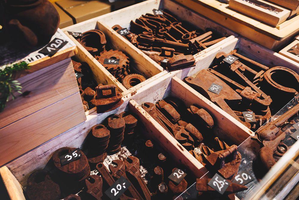 Zardzewiałe narzędzia? Nie - to czekolada, którą zjesz ze smakiem