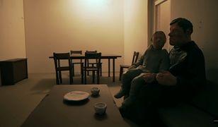 """""""Zabawa w chowanego – premiera w tv. Zobacz gdzie i o której obejrzysz nowy film braci Sekielskich"""