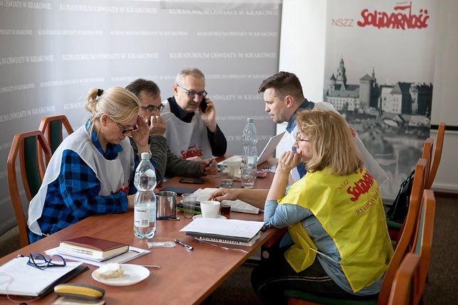Zaostrza się protest nauczycieli w Krakowie. Solidarność podjęła decyzję