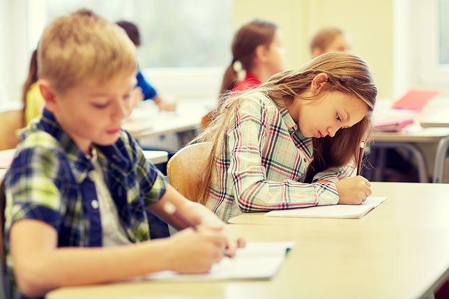 Dzieci, szkoła (zdj. ilustracyjne)