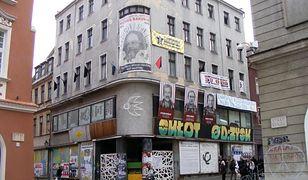 """Skłotersi zostają w kamienicy na poznańskim Starym Rynku i czekają na """"poważne"""" oferty od miasta"""