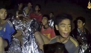 Kim są uwięzieni w tajlandzkiej jaskini chłopcy? Jeden z nich wybrał się w podróż, by spędzić czas z przyjacielem