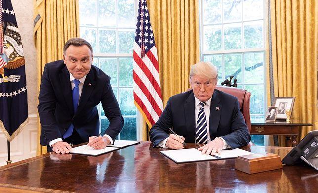 Zdjęcie Andrzeja Dudy i Donalda Trumpa w Białym Domu
