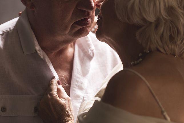 Seks dojrzałych osób może być lepszy niż młodych kochanków.