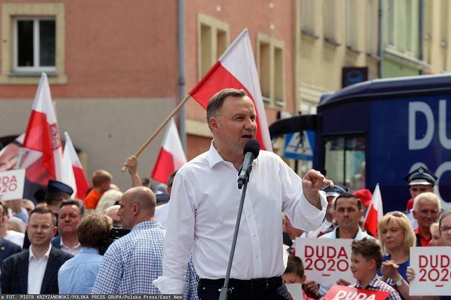 Wybory 2020. Andrzej Duda cały czas liderem
