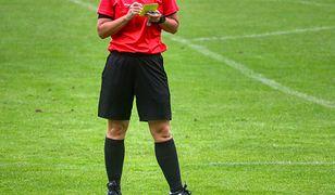 Piłkarze częściej faulują w rodzimych ligach czy w europejskich rozgrywkach? Odsłaniamy karty