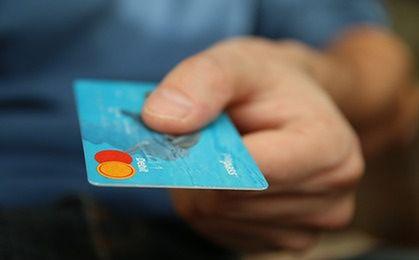 Płatności bezgotówkowe w każdym urzędzie. Program pilotażowy w sierpniu