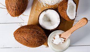 Wiele osób wierzy w jego cudowne właściwości. Olej kokosowy jest gorszy od masła