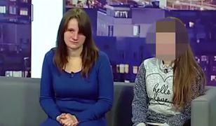 Matka zmusiła 12-letnią dziewczynkę do konfrontacji z gwałcicielami na wizji.