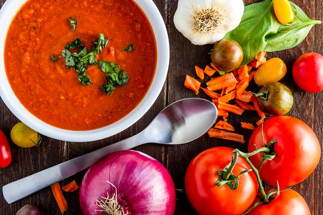 Zupa z awokado i pomidorów według Anny Lewandowskiej