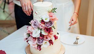 Tort ślubny - lepszy z małej cukierni czy sieciówki cukierniczej?