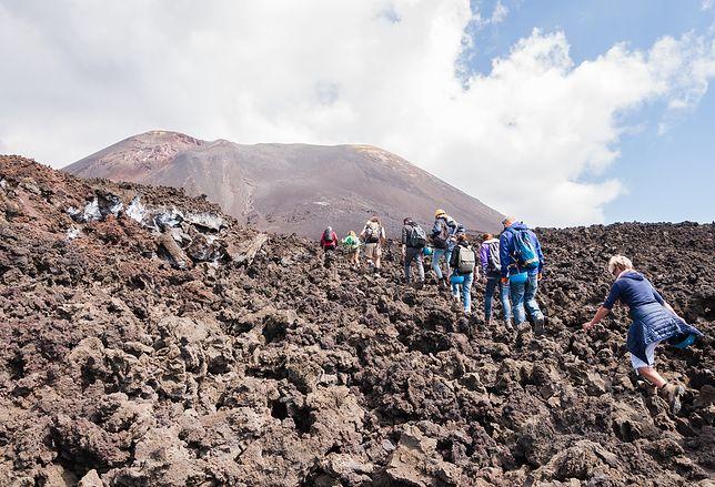 Wycieczki w górę wulkanu Etna cieszą się dużą popularnością