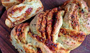 Chlebek sycylijski z suszonymi pomidorami