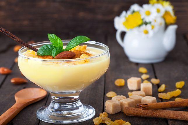 Budyń waniliowy można zrobić z mleka roślinnego i bez cukru