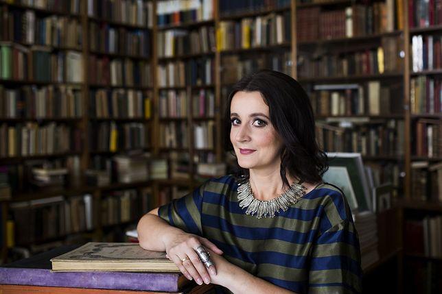 Anna Brzezińska, pisarka i mediewistka.
