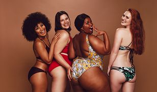 Bikini mogą śmiało nosić kobiety o różnych sylwetkach.