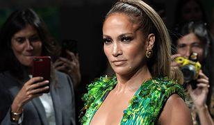 Jennifer Lopez podczas pokazu Versace.
