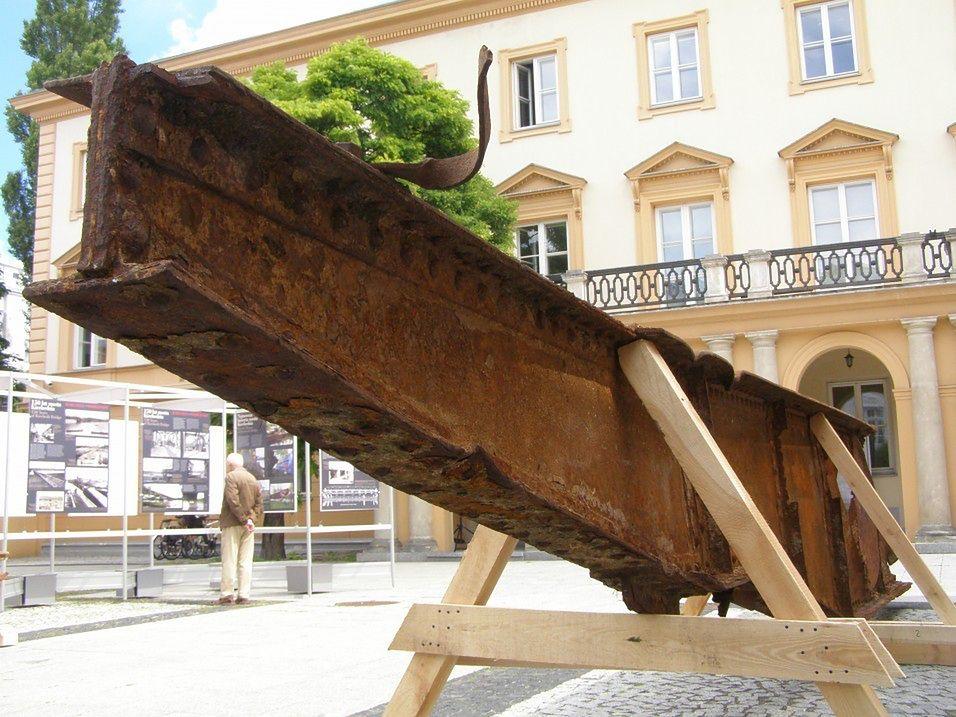 Z Wisły wydobyto fragmenty starych warszawskich mostów!