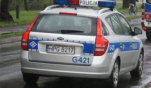 Śląsk. Policjanci zatrzymali 30-latka, który pod wpływem alkoholu spowodował kolizję drogową i uciekał przez dwa województwa.