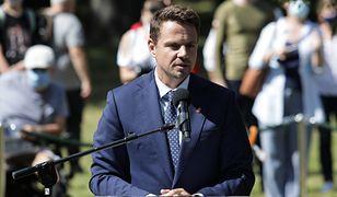 """Rafał Trzaskowski: """"Warszawa wspiera Białoruś. Pałac Kultury i Nauki zaświeci się w jej barwach narodowych"""""""