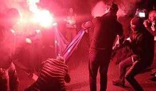 """Marsz Niepodległości: 5 tys. zł za wskazanie sprawcy spalenia flagi UE dla skarbnika Młodzieży Wszechpolskiej? """"Patrioci ograli reżym"""""""
