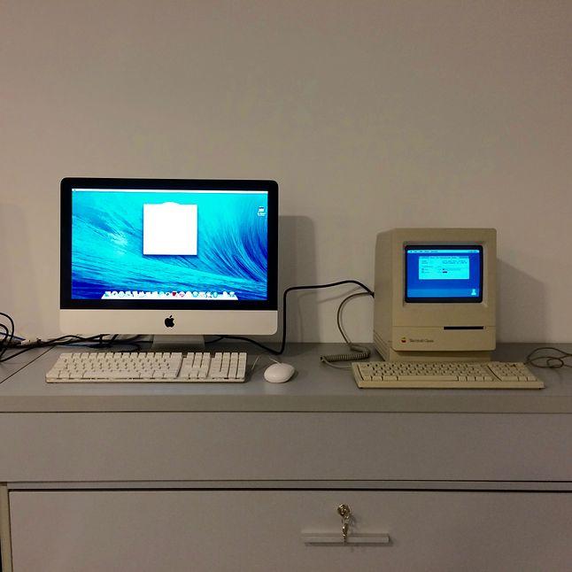 Macintosh Classic dumnie stanął na recepcji naszej firmy, wzbudzając większe zainteresowanie niż iMac.