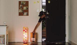 Dzięki urządzeniu od Amazona kurier może wejść, gdy nie ma cię w domu