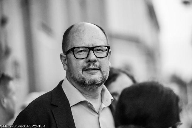 Szczecińscy radni uhonorowali Pawła Adamowicza. Został patronem placu