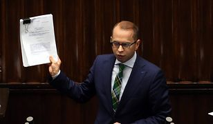 Poseł opozycji pyta dwie znane instytucje o pieniądze na walkę z koronawirusem