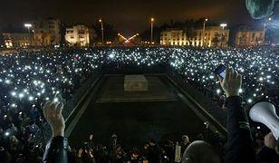 Węgry: masowe protesty przeciwko opodatkowaniu internetu