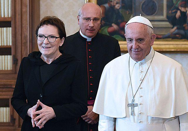 Jabłonka w prezencie. Kopacz na audiencji u papieża