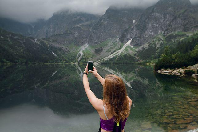 Zdjęcia turystek w Tatrach często wywołują burzę. Dlaczego tak jest? (zdjęcie poglądowe)