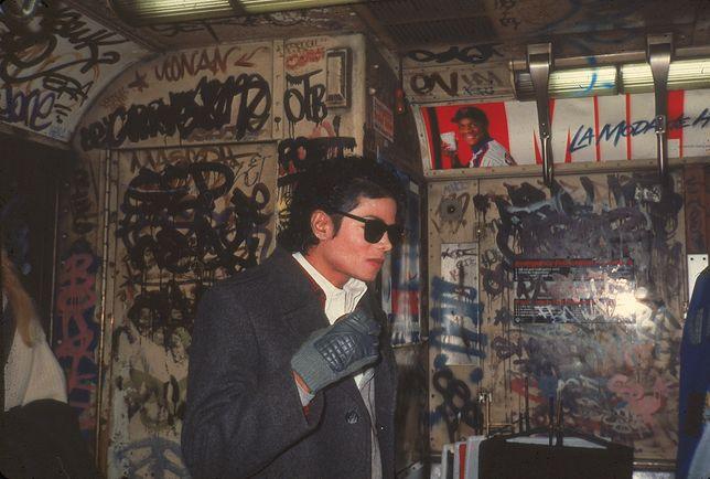 """Michael Jackson kręcił w nowojorskim metrze teledysk do """"Bad"""""""