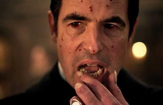 """""""Dracula"""". BBC i Netflix wypuścili teaser miniserialu. Oglądajcie przy zapalonym świetle"""