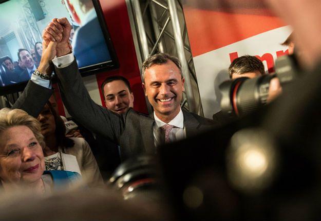 """Politico: wygrana kandydata skrajnej prawicy w Austrii to """"polityczny koszt przyjmowania uchodźców"""""""