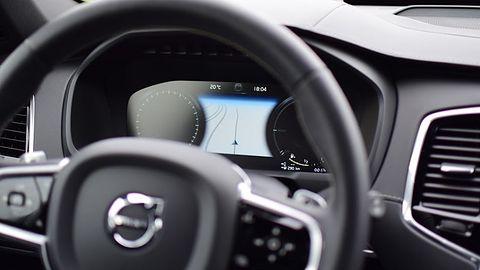 Subaru miało wypadek, a polska policja pyta Muska o jakość autopilota