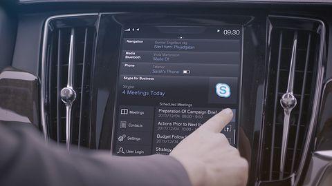 Microsoft zainstaluje Skype w autach Volvo. Wkrótce trafi do nich także Cortana