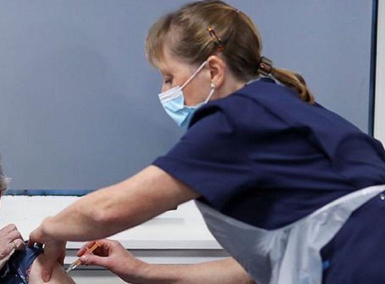 Pielęgniarka pomagała chorym na COVID-19. Los się do niej uśmiechnął