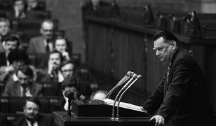"""Film """"Nocna zmiana"""" pokazuje historię upadku rządu Jana Olszewskiego."""