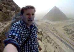 Egipt - niesamowity wyczyn 19-latka w Gizie