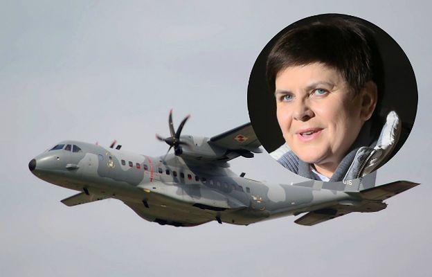 Premier Szydło kłamie w sprawie lotów casą. Jej wersja nie jest zgodna z instrukcją HEAD