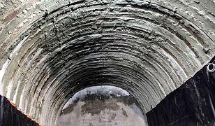 Pod tunelem Wisłostrady [ZDJĘCIA]