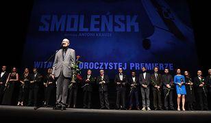 """Premiera filmu """"Smoleńsk"""" w Teatrze Wielkim. """"To protest przeciwko manipulacjom prawdą"""""""