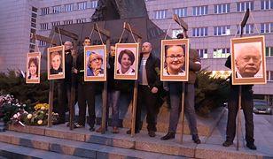 Katowice. Wieszanie na szubienicy zdjęć europosłów PO to nie przestępstwo. Przynajmniej według prokuratury.